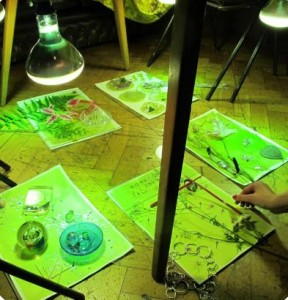 fun art birthday parties for kids in Bristol using science and light to create drawings