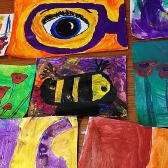 fun art birthday party idea for children in Bristol exploring colour